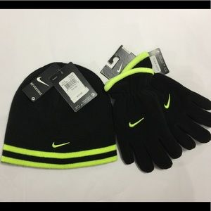 Boys Nike knit Beenie Hat & Fleece Gloves Youth